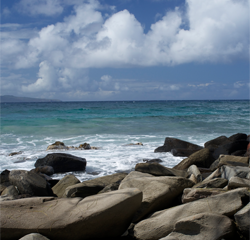 kim-willis-life-coach-rocks-ocean-clouds-maui-hawaii